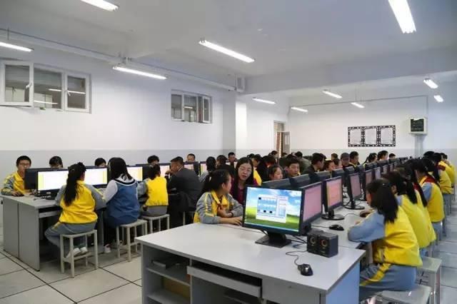 第二届新疆亲子百科知识大赛家庭走进校园