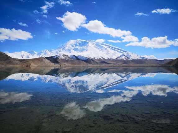 你是我人生旅途邂逅的最美风景 冰川公园的妩媚,让我沉醉 慕士塔格的