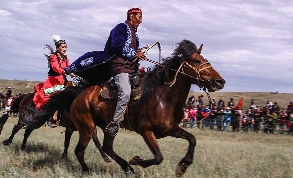 新疆呼图壁县石梯子哈萨克乡第二届牧草香旅游文化节开幕
