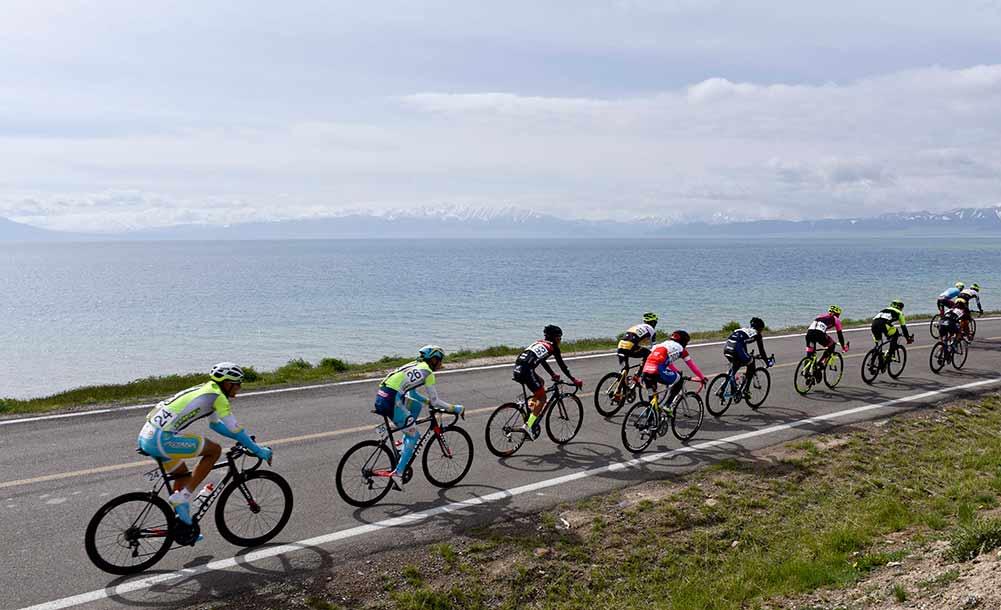 自行车—中国新疆第十一届环赛里木湖公路赛落幕