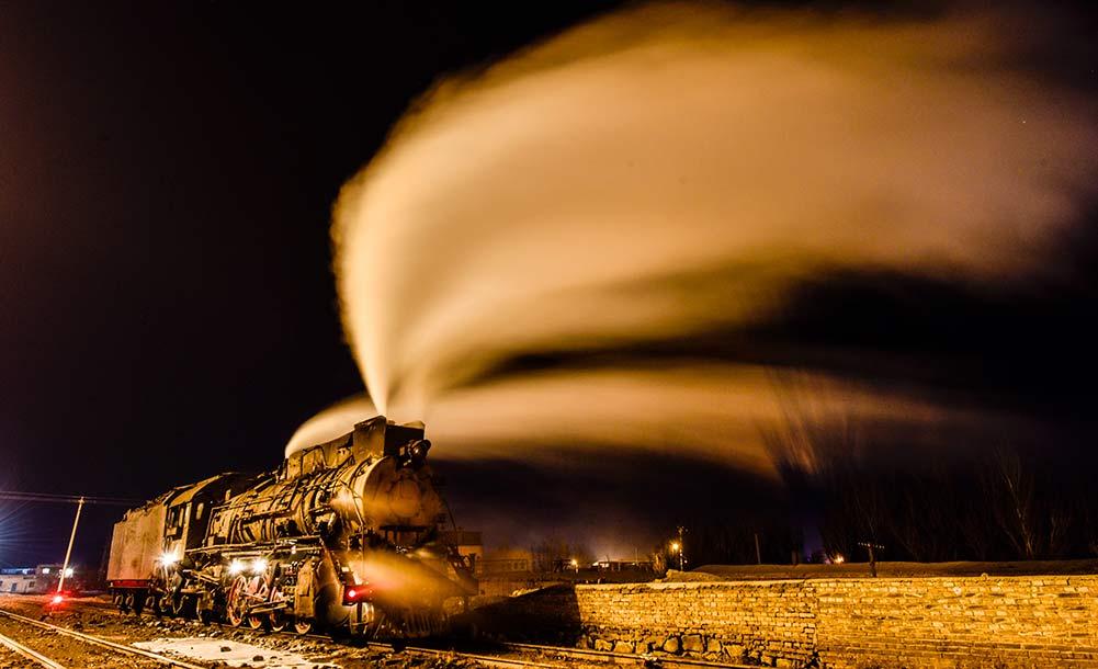 蒸汽机车司机的最后守望