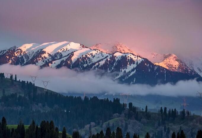 萨哈景区云雾缭绕宛如仙境