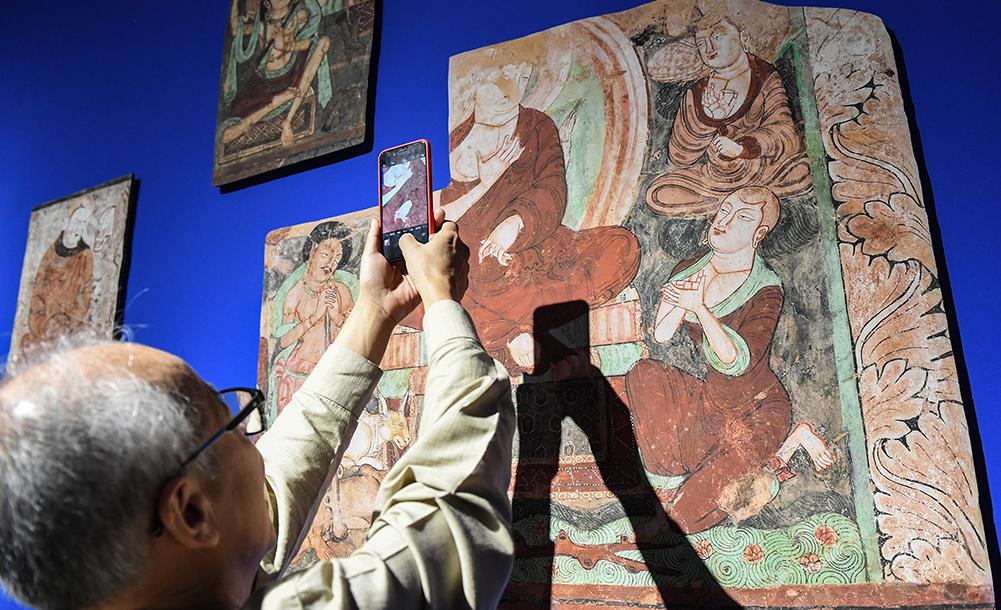 流失海外的新疆克孜尔石窟壁画及洞窟复原影像展在京举办