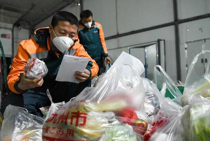 新疆:郵政配送 疫情期間保供應