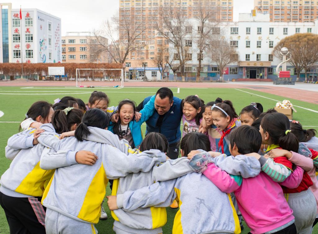 新華全媒+|夏教練和他的女足隊