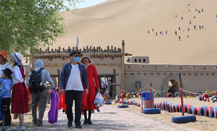 新疆:沙漠旅遊漸熱
