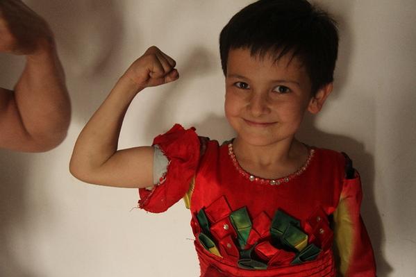 记美丽小姑娘拜尔娜克孜 库尔班图片